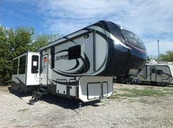 Used 2015  Keystone Alpine 301RE by Keystone from McClain's RV Rockwall in Rockwall, TX