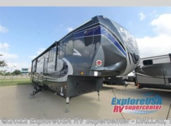 New 2017  Heartland RV Cyclone 4200 by Heartland RV from ExploreUSA RV Supercenter - MESQUITE, TX in Mesquite, TX