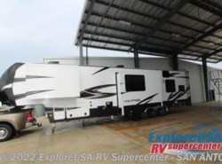 New 2017  Dutchmen Voltage V3975 by Dutchmen from ExploreUSA RV Supercenter - SAN ANTONIO, TX in San Antonio, TX