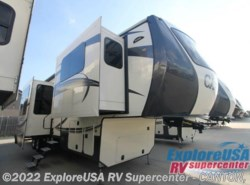 New 2017  CrossRoads Cameo CM38FL by CrossRoads from ExploreUSA RV Supercenter - CANTON, TX in Wills Point, TX