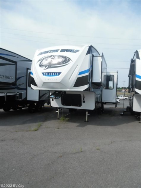 2018 Forest River Cherokee Arctic Wolf 255DRL4