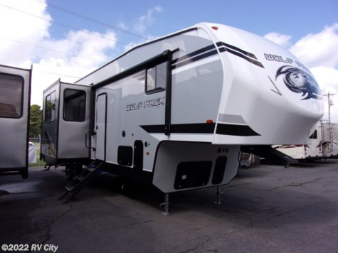 2019 Forest River Cherokee Wolf Pack 325PACK13 With 5500 Onan generator !