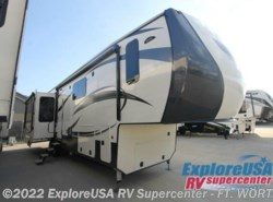New 2017  CrossRoads Cameo CM37DB by CrossRoads from ExploreUSA RV Supercenter - FT. WORTH, TX in Ft. Worth, TX