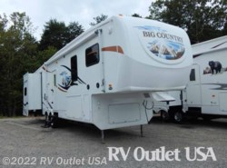 Used 2009  Heartland RV Big Country 3355RL by Heartland RV from RV Outlet USA in Ringgold, VA