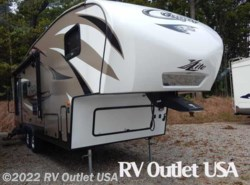 Used 2016  Keystone Cougar XLite 26RLS by Keystone from RV Outlet USA in Ringgold, VA