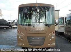 Used 2016  Winnebago Vista  by Winnebago from RV World of Lakeland in Lakeland, FL