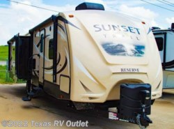 Used 2016  CrossRoads Sunset Trail ST32RL by CrossRoads from Texas RV Outlet in Willow Park, TX
