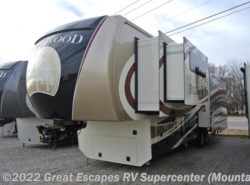 New 2017  Redwood Residential Vehicles Redwood RW38RL by Redwood Residential Vehicles from Great Escapes RV Center in Gassville, AR