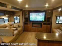 New 2017  Coachmen Freedom Express 321FEDSLE by Coachmen from South Hill RV Sales in Puyallup, WA