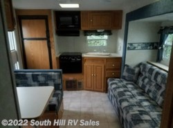 Used 2004  Forest River Salem 25sl by Forest River from South Hill RV Sales in Puyallup, WA