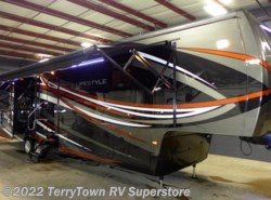 New 2015  Lifestyle Luxury RV Lifestyle 39FB by Lifestyle Luxury RV from TerryTown RV Superstore in Grand Rapids, MI