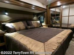 New 2016  Jayco Pinnacle 36RSQS by Jayco from TerryTown RV Superstore in Grand Rapids, MI