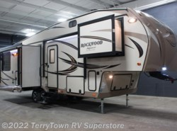 New 2017  Forest River Rockwood Signature Ultra Lite 8289WS by Forest River from TerryTown RV Superstore in Grand Rapids, MI