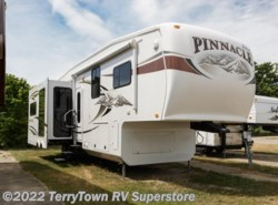 Used 2011  Jayco Pinnacle 36REQS by Jayco from TerryTown RV Superstore in Grand Rapids, MI