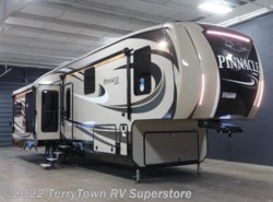 New 2017  Jayco Pinnacle 36KPTS by Jayco from TerryTown RV Superstore in Grand Rapids, MI