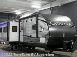 New 2017  Coachmen Catalina Legacy Edition 333BHTS CK by Coachmen from TerryTown RV Superstore in Grand Rapids, MI