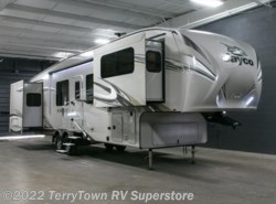 New 2017  Jayco Eagle 339FLQS by Jayco from TerryTown RV Superstore in Grand Rapids, MI