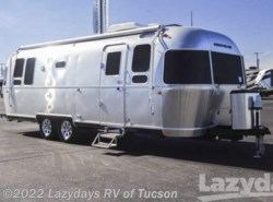 New 2017  Airstream Flying Cloud 26BWB by Airstream from Lazydays in Tucson, AZ