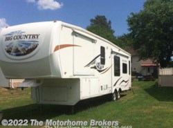 New 2009  Heartland RV Big Country 3285RL by Heartland RV from The Motorhome Brokers in Salisbury, MD