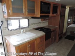 Used 2006  Fleetwood Jamboree 31W by Fleetwood from Alliance Coach in Wildwood, FL
