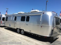 New 2018 Airstream Classic 33FB available in Los Banos, California