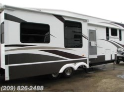 Used 2008 Dutchmen Grand Junction 34QRL available in Los Banos, California