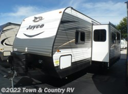 New 2017  Jayco Jay Flight 28BHBE by Jayco from Town & Country RV in Clyde, OH