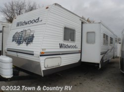 Used 2005  Forest River Wildwood LE 30BHBS by Forest River from Town & Country RV in Clyde, OH