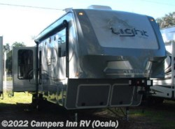 Used 2015  Open Range Light LF319RLS by Open Range from Tradewinds RV in Ocala, FL