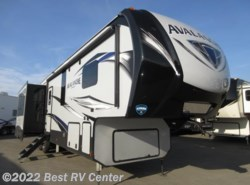 New 2018 Keystone Avalanche 365MB MID BUNKS/ 6 POINT HYDRAULIC AUTO LEVELING/ available in Turlock, California