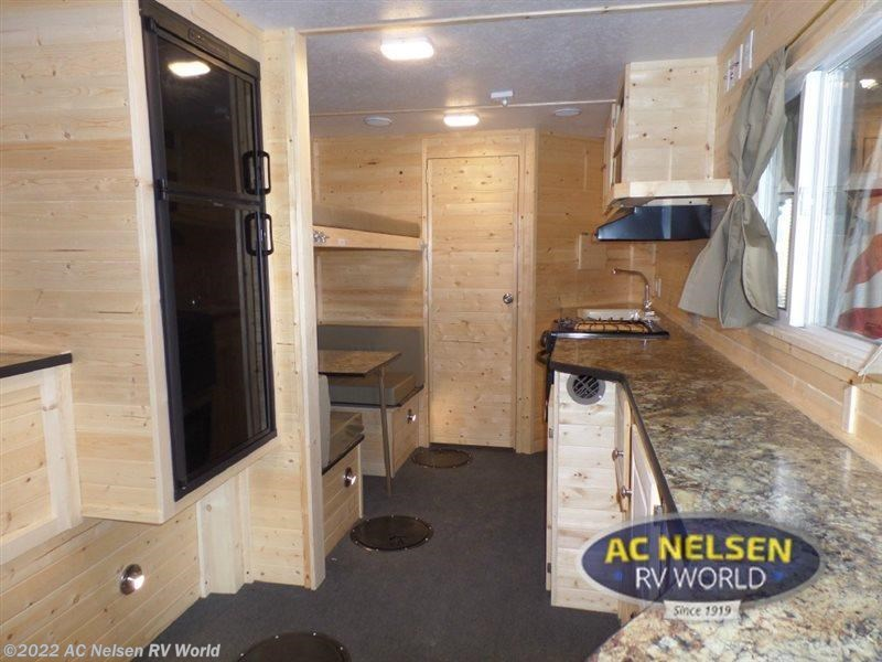 2016 ice castle rv ice castle fish houses 21 ft hybrid rv for Ice castle fish house for sale