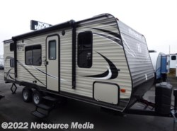 New 2017  Keystone Hideout 21LHSWE by Keystone from U-Neek RV Center in Kelso, WA