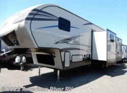 New 2017  Prime Time Crusader Lite 34MB Fifth Wheel