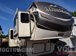Used 2015  Keystone Montana 3711FL by Keystone from Vogt Family Fun Center  in Fort Worth, TX