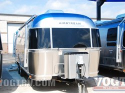 New 2017  Airstream International Signature 27FB by Airstream from Vogt Family Fun Center  in Fort Worth, TX