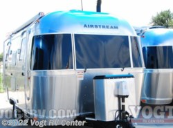 New 2017  Airstream Flying Cloud 19 by Airstream from Vogt RV Center in Ft. Worth, TX