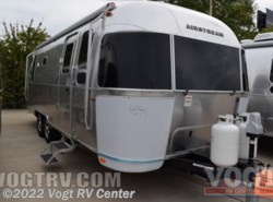 New 2017  Airstream Flying Cloud 26U by Airstream from Vogt RV Center in Ft. Worth, TX
