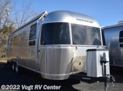 Used 2016  Airstream International Signature 27FB by Airstream from Vogt RV Center in Ft. Worth, TX
