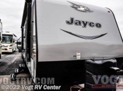 New 2017  Jayco Jay Flight 28BHBE by Jayco from Vogt RV Center in Ft. Worth, TX
