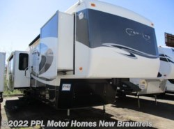 Used 2009  Carriage  Carri Lite Emerald 36SBQ by Carriage from PPL Motor Homes in New Braunfels, TX
