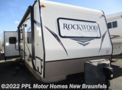 Used 2015  Rockwood  Ultra Lite 2703WS by Rockwood from PPL Motor Homes in New Braunfels, TX