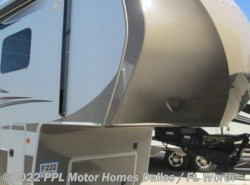 Used 2013  Thor  Redwood 36RL by Thor from PPL Motor Homes in Cleburne, TX