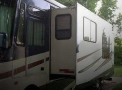 Used 2005  Coachmen Mirada 35 by Coachmen from POP RVs in Sarasota, FL