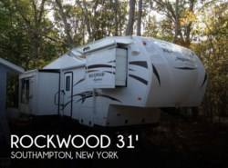 Used 2015  Forest River Rockwood 31 Signiture 8289WS by Forest River from POP RVs in Sarasota, FL