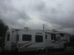 Used 2010  Keystone Everest 38 by Keystone from POP RVs in Sarasota, FL