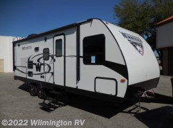 New 2017  Winnebago Minnie 2200SS by Winnebago from Wilmington RV in Wilmington, NC