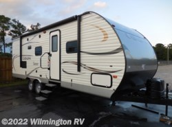 Used 2015  Coachmen Catalina 243RBS by Coachmen from Wilmington RV in Wilmington, NC