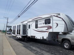 Used 2014  Palomino Sabre 33 CKTS by Palomino from Winnebago Motor Homes in Rockford, IL