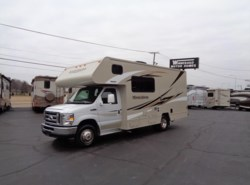 Used 2016  Winnebago Minnie Winnie 22R by Winnebago from Winnebago Motor Homes in Rockford, IL
