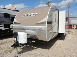 New 2017 Shasta Flyte 265DB available in Bourbon, Missouri